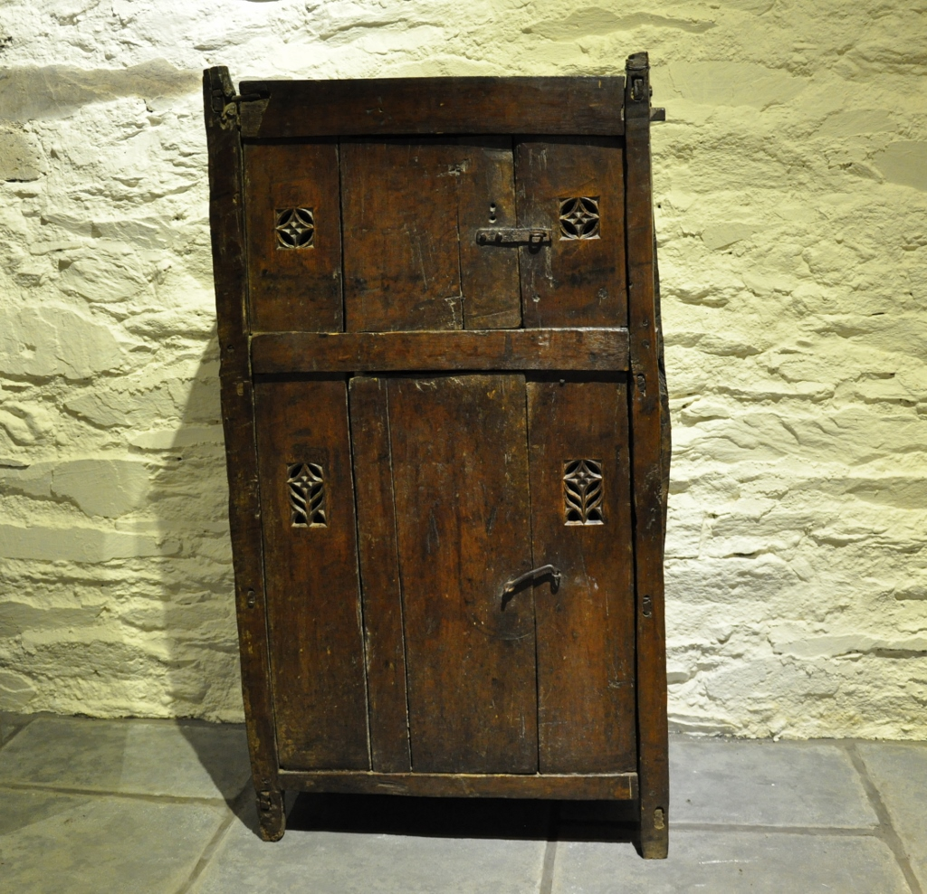 Choose a unique antique oak cupboard for your contemporary home
