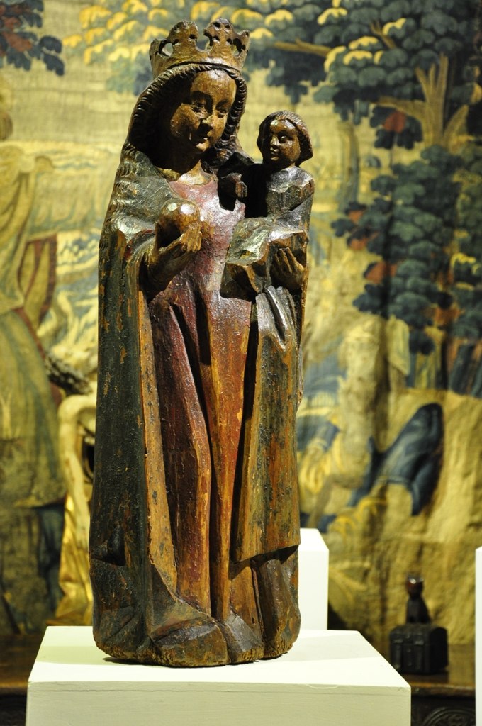 A BEAUTIFUL 15TH CENTURY POLYCHROMED SCULPTURE OF THE MADONNA AND CHILD. SOUTH GERMANY. CIRCA 1480.