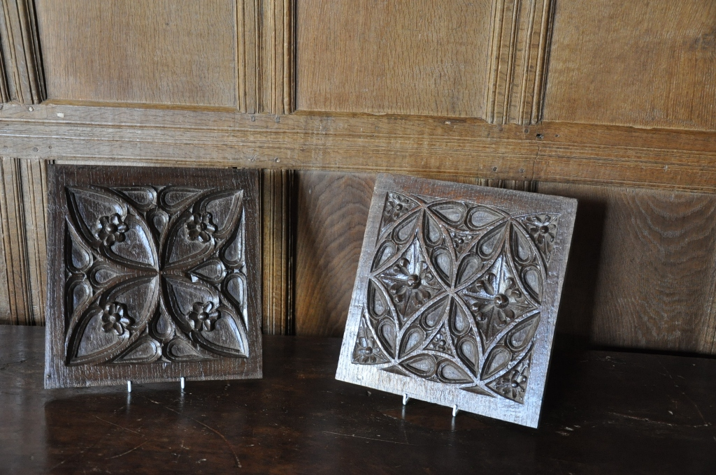 A BEAUTIFUL PAIR OF ENGLISH EARLY 16TH CENTURY GOTHIC TRACERY PANELS. CIRCA 1520