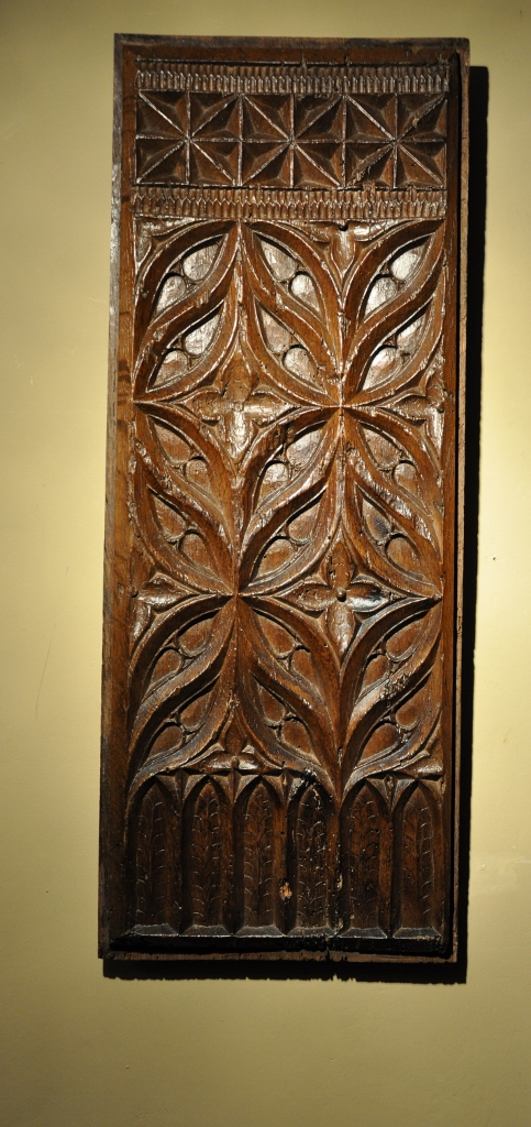 A FINE LATE 15TH CENTURY CARVED OAK GOTHIC TRACERY PANEL. CIRCA 1500.