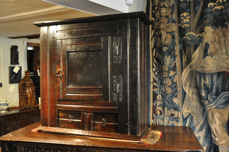 A FINE LATE 17TH CENTURY HANGING FOOD HUTCH . PROBABLY WELSH. CIRCA 1670.