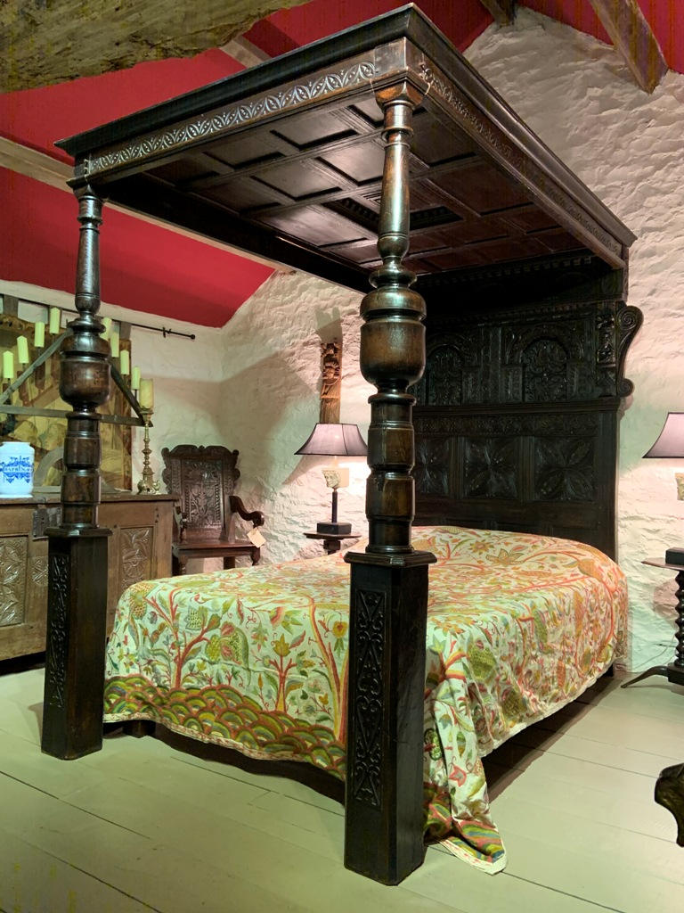 A LARGE AND HANDSOME MID 17TH CENTURY ENGLISH OAK FOUR POSTER BED. CIRCA 1650.
