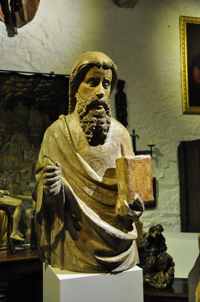 A LARGE AND VERY BEAUTIFUL LATE 14TH / EARLY 15TH CENTURY NORMAN OAK SCULPTURE OF ST PAUL. CIRCA 1380-1420.