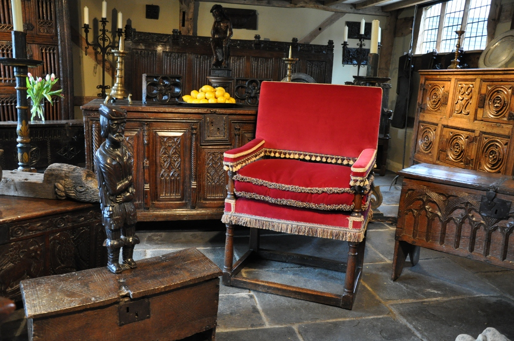 A LARGE MID 17TH CENTURY ENGLISH OAK UPHOLDERS CHAIR. CIRCA 1650.