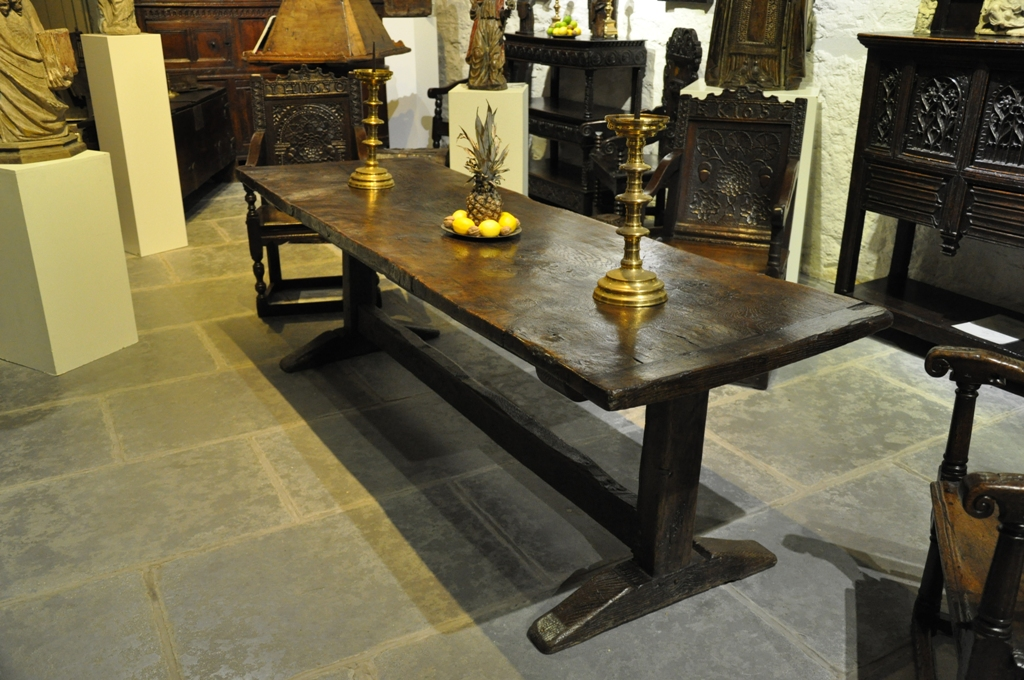A LATE 17TH CENTURY ENGLISH OAK TRESTLE TABLE. CIRCA 1680.