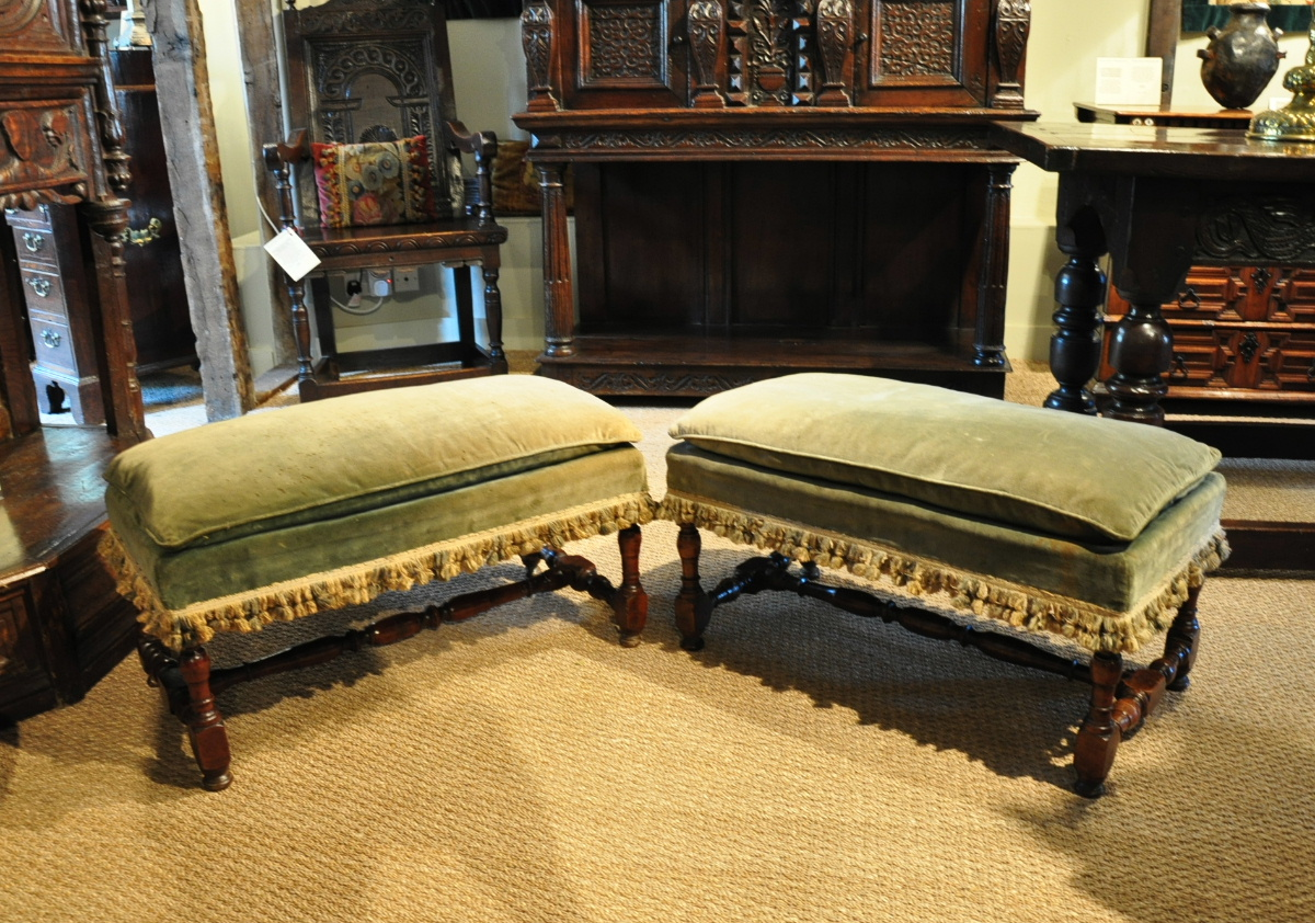 A LOVELY PAIR OF WILLIAM AND MARY CHERRYWOOD FOOTSTOOLS. CIRCA 1695.