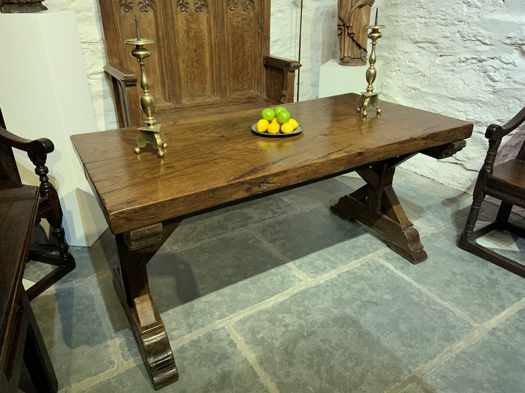 A RARE AND SUBSTANTIAL LATE 15TH/ EARLY 16TH CENTURY ENGLISH OAK TRESTLE TABLE. CIRCA 1500.