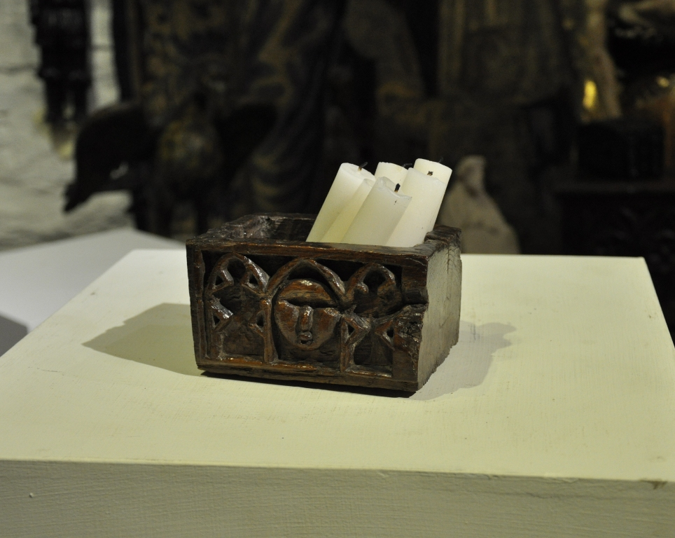 A RARE EARLY OAK DUGOUT CANDLE HOLDER/BOX. ENGLISH. CIRCA 1480-1520.
