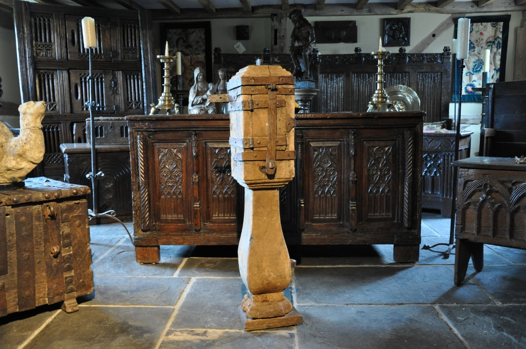 A RARE MID 15TH CENTURY OAK AND IRONBOUND OFFERTORY BOX. CIRCA 1460.