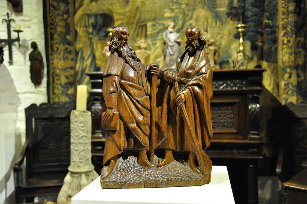 A WONDERFUL EARLY 16TH CENTURY CARVED OAK SCULPTURE OF TWO PROPHETS. FRENCH. CIRCA 1520.