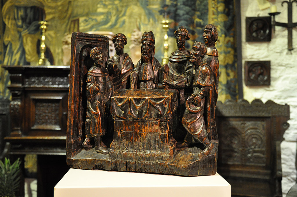 AN EXTREMELY RARE AND BEAUTIFUL LATE MEDIEVAL OAK SCULPTURE DEPICTING THE REJECTION OF JOACHIMS SACRIFICE. ENGLISH. CIRCA 1500.