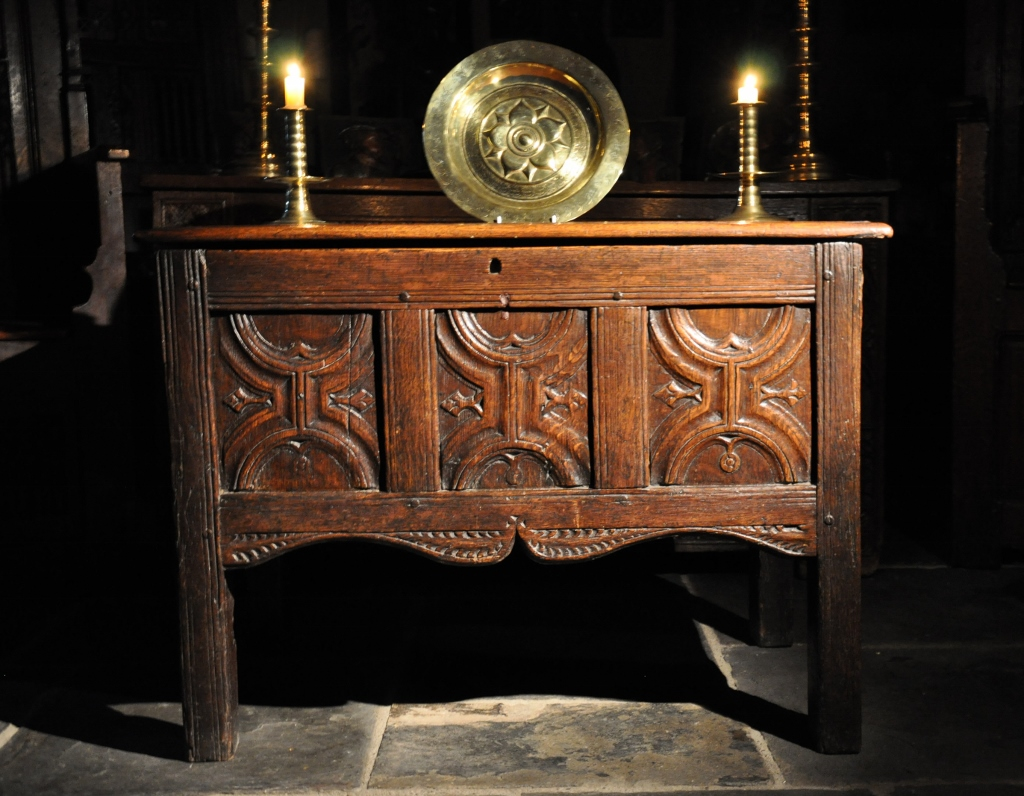 AN EXTREMELY RARE HENRY VIII OAK COUNTER TABLE. ENGLISH. CIRCA 1540.