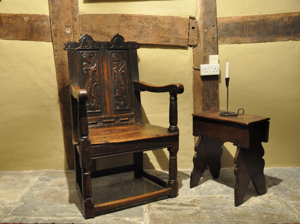 ENGLISH RENAISSANCE GREAT-CHAIR. CIRCA 1560.