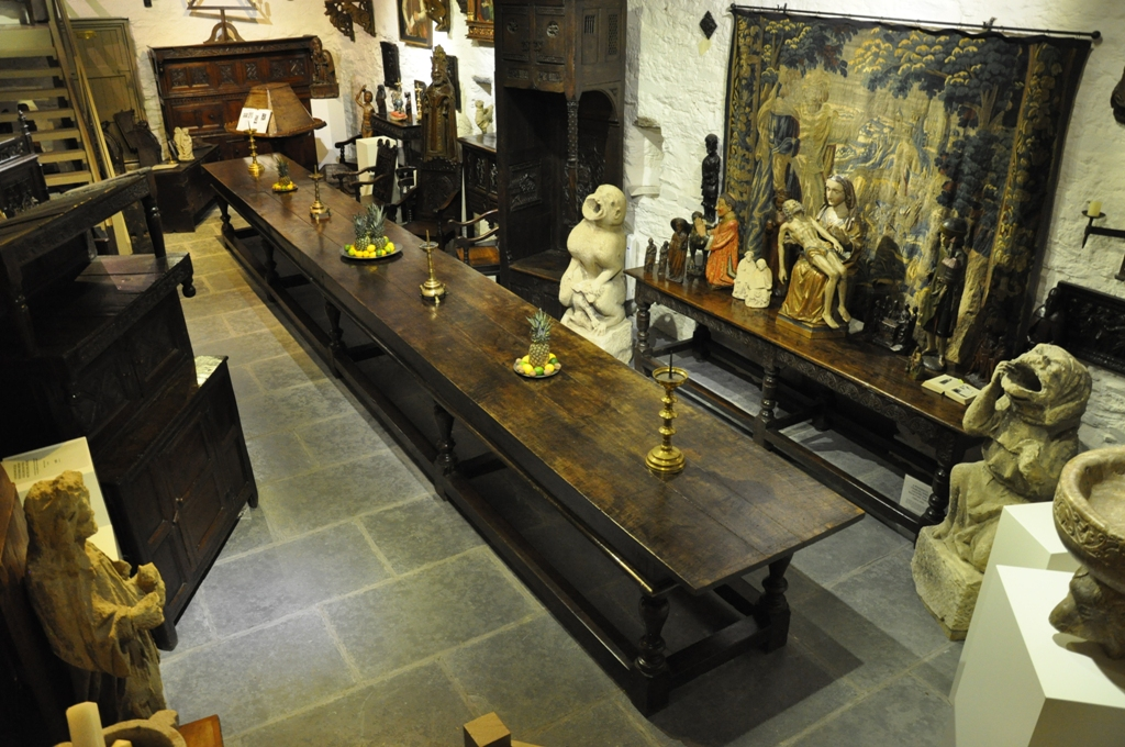 ONE OF ENGLANDS FINEST. THE MAGNIFICENT , RARE AND IMPORTANT RUFFORD ABBEY OAK REFECTORY TABLE. CIRCA 1660.