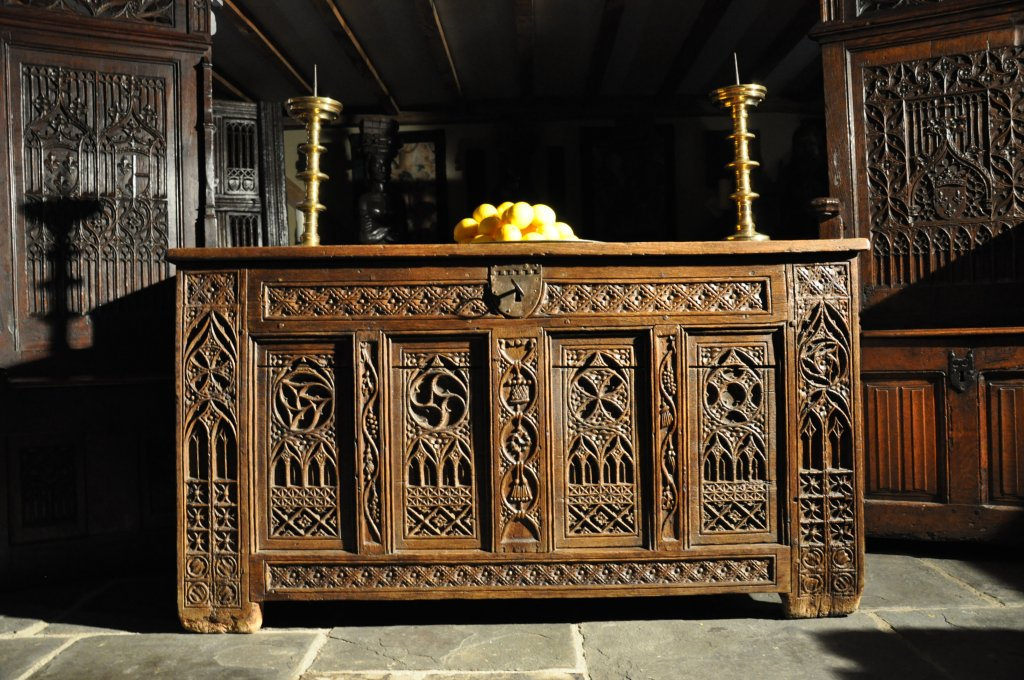 As Jack and Jackie Simonini we are a husband and wife partnership and have  specialised in early English oak and country furniture from the medieval  period ... - About Us: English Antique Oak - Gothic Furniture UK - Medieval